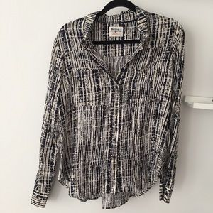 Anthropologie buttoned blouse